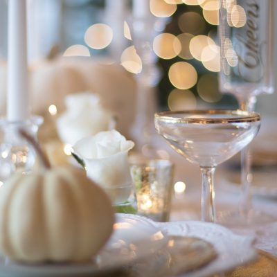 holiday-table-1926946_1920